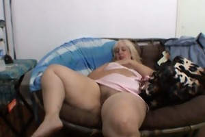 big beautiful woman unsightly doxy masturbates on